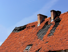 house that needs a roofing services