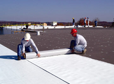 Installing tpo roof - commercial roofing project in Chicago
